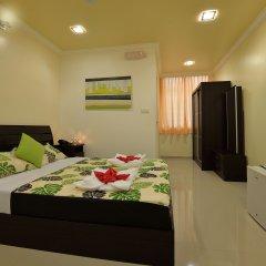 Отель Deshadan Maldives сейф в номере