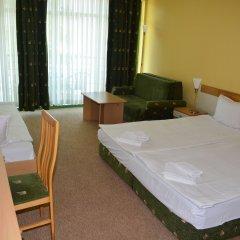 Отель Juli Болгария, Солнечный берег - отзывы, цены и фото номеров - забронировать отель Juli онлайн комната для гостей фото 3
