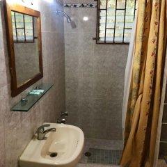 Отель Sunflower Villas Ямайка, Ранавей-Бей - отзывы, цены и фото номеров - забронировать отель Sunflower Villas онлайн ванная фото 2