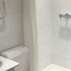 Отель Antin St Georges Франция, Париж - 12 отзывов об отеле, цены и фото номеров - забронировать отель Antin St Georges онлайн ванная
