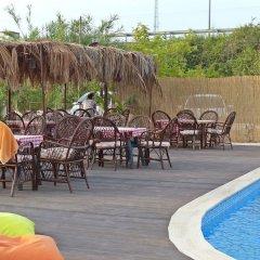 Отель Nostalgia World Pension бассейн