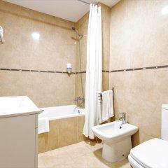 Отель Apartamentos Vega Sol Playa Испания, Фуэнхирола - отзывы, цены и фото номеров - забронировать отель Apartamentos Vega Sol Playa онлайн ванная фото 2