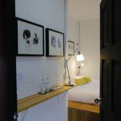 Отель Pyat Music and Artel Таиланд, Бангкок - отзывы, цены и фото номеров - забронировать отель Pyat Music and Artel онлайн ванная фото 2