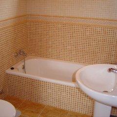 Отель Camping Paisaxe II Эль-Грове ванная фото 2