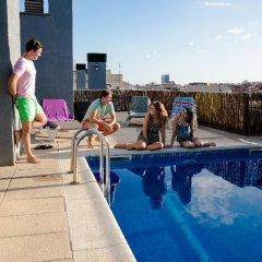 Отель Residencia de estudiantes Onix бассейн