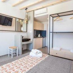 Отель Alexander Studios & Suites - Adults Only комната для гостей фото 7