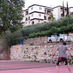 Отель Geranion Village спортивное сооружение
