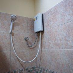 Отель OYO 282 Baan Nat Таиланд, Пхукет - отзывы, цены и фото номеров - забронировать отель OYO 282 Baan Nat онлайн ванная
