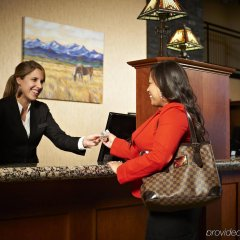 Отель Deerfoot Inn & Casino Канада, Калгари - отзывы, цены и фото номеров - забронировать отель Deerfoot Inn & Casino онлайн интерьер отеля фото 2