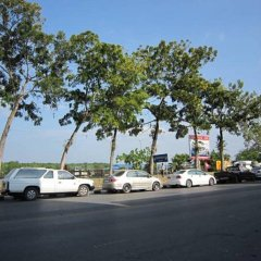 Vieng Thong Hotel Краби парковка