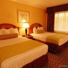 Отель Best Western Hollywood Plaza Inn США, Лос-Анджелес - отзывы, цены и фото номеров - забронировать отель Best Western Hollywood Plaza Inn онлайн комната для гостей фото 5