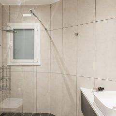 Отель UPSTREET Charming & Comfy 2BD Apt-Acropolis Афины ванная фото 2