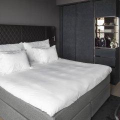 Отель At Six комната для гостей фото 4