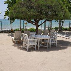 Отель Ocho Rios Villa at Coolshade IX пляж