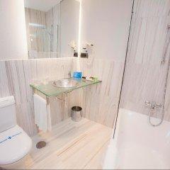 Отель Plaza Испания, Ла-Корунья - отзывы, цены и фото номеров - забронировать отель Plaza онлайн ванная
