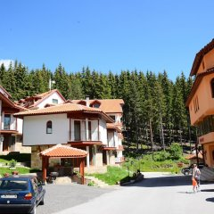 Отель Chalets at Pamporovo Village парковка