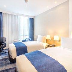 Отель Holiday Inn Express Bangkok Soi Soonvijai комната для гостей фото 4
