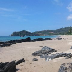 At Lanta Hostel пляж