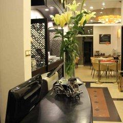 Orchid Hotel интерьер отеля