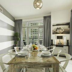 Отель Maison Privee - Loft West в номере