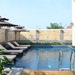 Royal Riverside Hoi An Hotel бассейн