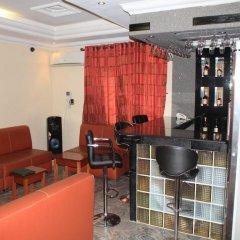 Отель Tyndale Residence Ltd развлечения