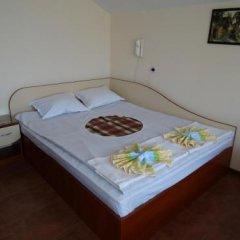 Отель Guest House Rositsa сейф в номере