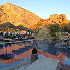 Отель Black Sand Hotel Греция, Остров Санторини - отзывы, цены и фото номеров - забронировать отель Black Sand Hotel онлайн бассейн фото 2
