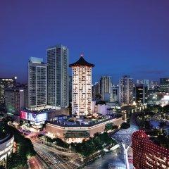 Отель Singapore Marriott Tang Plaza Hotel Сингапур, Сингапур - отзывы, цены и фото номеров - забронировать отель Singapore Marriott Tang Plaza Hotel онлайн балкон