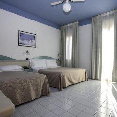 Отель Fra I Pini Италия, Римини - отзывы, цены и фото номеров - забронировать отель Fra I Pini онлайн комната для гостей фото 5