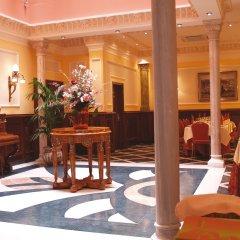 Отель Reina Cristina гостиничный бар