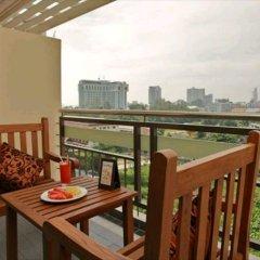 Отель Pattaya Loft Hotel Таиланд, Паттайя - отзывы, цены и фото номеров - забронировать отель Pattaya Loft Hotel онлайн балкон