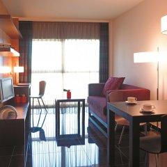 Отель Hesperia Fira Suites комната для гостей фото 3