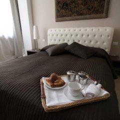 Отель Les Suites Bari Бари в номере