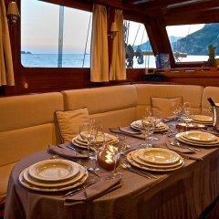 Отель Plaghia Charter Boat & Breakfast Италия, Кастелламмаре-ди-Стабия - отзывы, цены и фото номеров - забронировать отель Plaghia Charter Boat & Breakfast онлайн питание фото 2