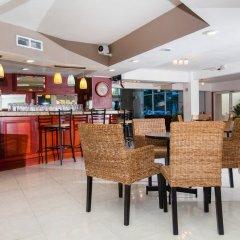 Отель Holiday Inn Cancun Arenas Мексика, Канкун - отзывы, цены и фото номеров - забронировать отель Holiday Inn Cancun Arenas онлайн гостиничный бар