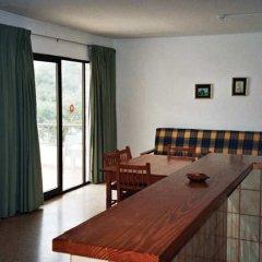 Отель Apartamentos Turísticos Es Daus комната для гостей фото 4