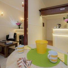 Отель Carlito Budget Rooms гостиничный бар