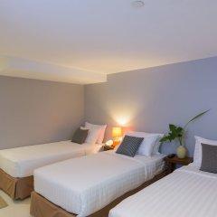 Апартаменты Sabai Sathorn Serviced Apartment Бангкок комната для гостей фото 2