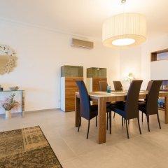Отель Seafront Luxury APT With Pool Мальта, Слима - отзывы, цены и фото номеров - забронировать отель Seafront Luxury APT With Pool онлайн интерьер отеля