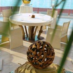 Отель Vistabella Испания, Курорт Росес - отзывы, цены и фото номеров - забронировать отель Vistabella онлайн гостиничный бар