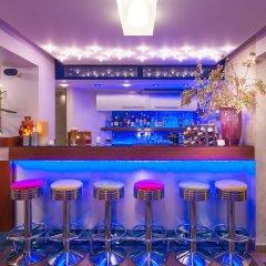 Tropical Hotel гостиничный бар