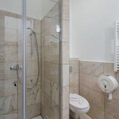 Отель Amber Gardenview Studios ванная фото 5