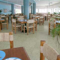 Caleta Hotel питание