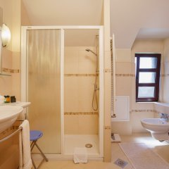Hotel Zlatnik ванная