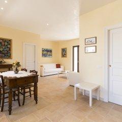 Отель Corte Dei Nobili Италия, Конверсано - отзывы, цены и фото номеров - забронировать отель Corte Dei Nobili онлайн комната для гостей
