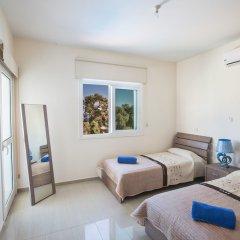 Отель Shaye Frontline Villa Кипр, Протарас - отзывы, цены и фото номеров - забронировать отель Shaye Frontline Villa онлайн комната для гостей фото 4