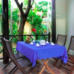 Отель Plum Tree Homestay Вьетнам, Хойан - отзывы, цены и фото номеров - забронировать отель Plum Tree Homestay онлайн балкон
