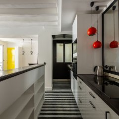 Отель Bauhaus Magic in the Marais Париж интерьер отеля фото 2