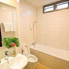 Отель Boss Mansion Бангкок ванная фото 2